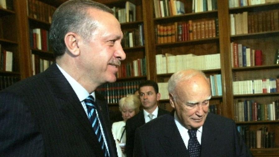"""""""Историческа"""" среща на премиерите на Гърция и Турция"""