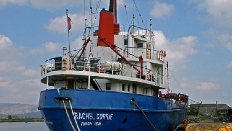 Израелски сили превзеха пътуващия към Газа кораб