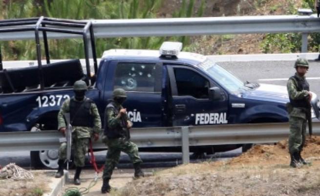 Мексико: Убийства на затворници и полицаи