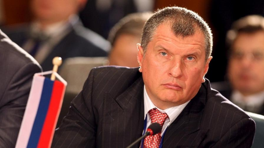 Игор Сечин - дясната ръка на Путин  излиза от сенките на  Кремъл