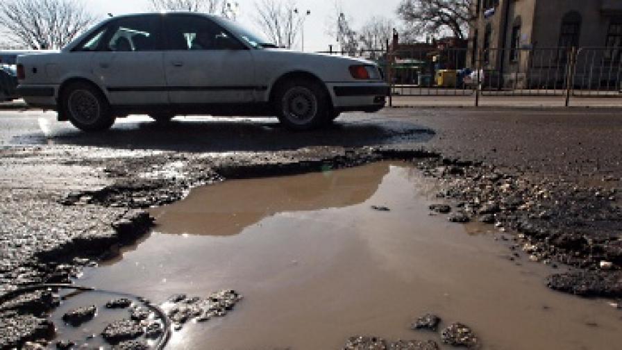 Спират ремонта на 1800 км пътища