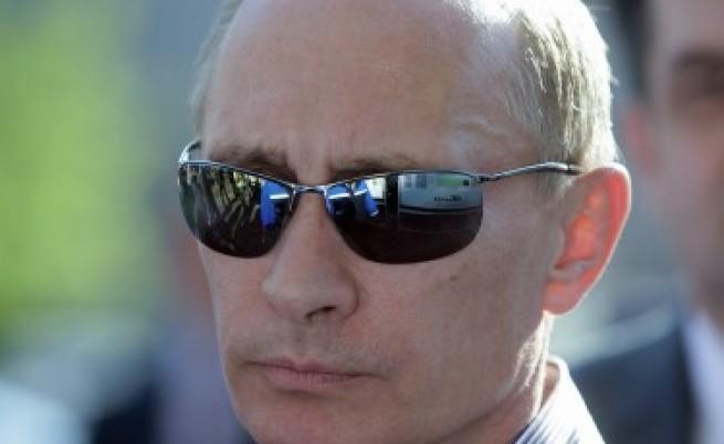 Путин пял с руските шпиони патриотична песен