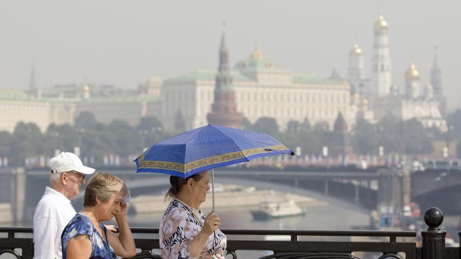 Торфен ад задуши Москва, посевите в Русия загиват