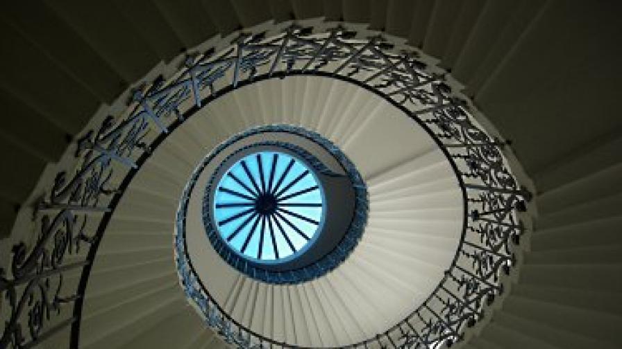 Стълбището с лалетата в Националния музей в Грийнуич, където е заснета една от най-известните снимки на призраци