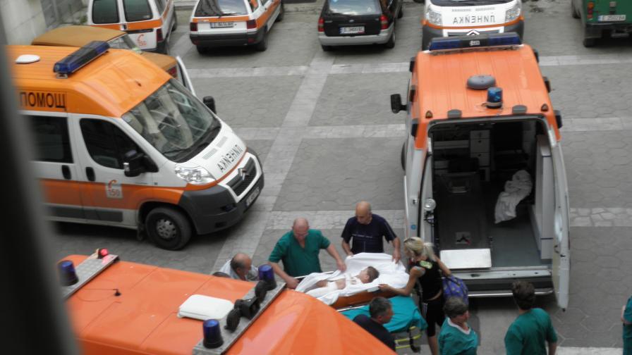 Моторджия се удари в маршрутка, жена - в турски ТИР