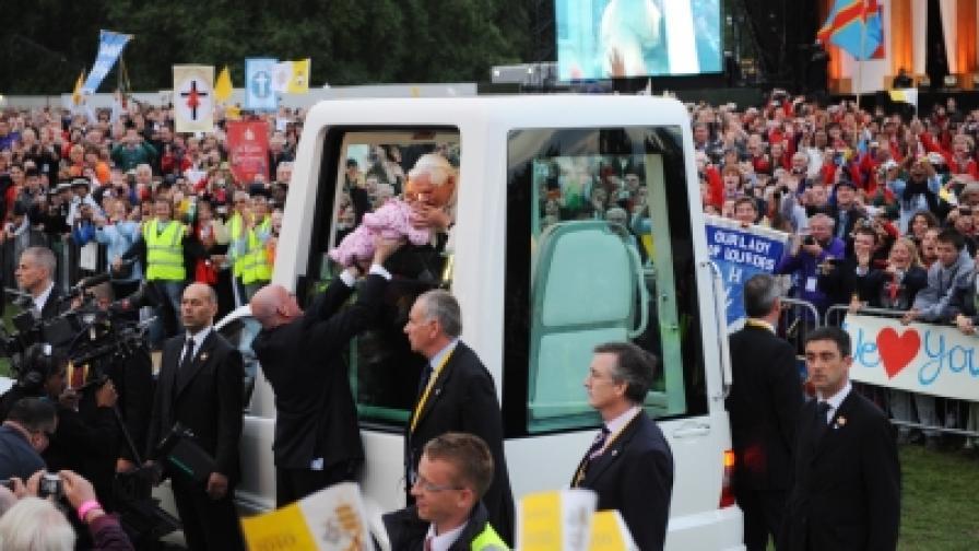 Папата се извини на жертви на сексуално насилие