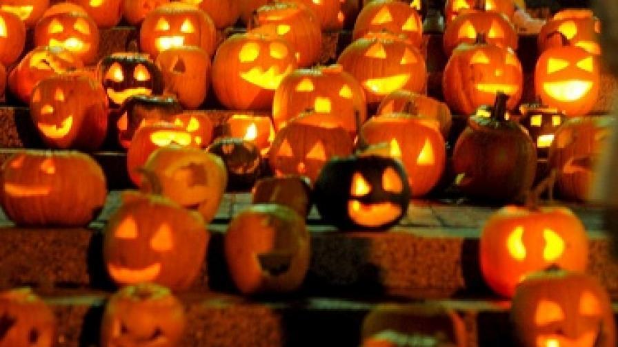 Кой е казал, че щом Хелоуин не e типично български празник, не можем да използваме прекрасната идея за тикви-фенери?