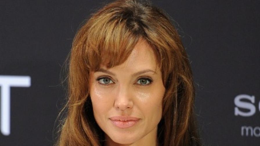 Забраниха на Джоли да снима в Босна