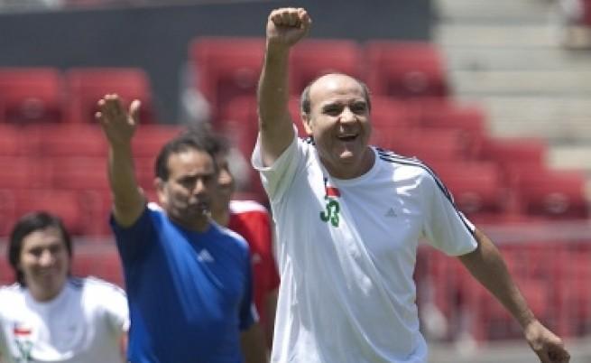 Чилийските миньори вече играят футбол