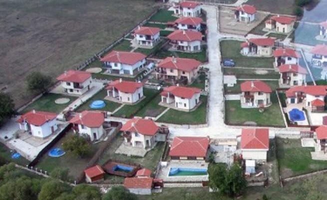 ДНСК премахва незаконни строежи в Бургас