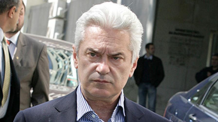 Сидеров заяви, че България трябва да реагира на това поведение и да не подкрепи Сърбия за кандидатурата й за членство в ЕС