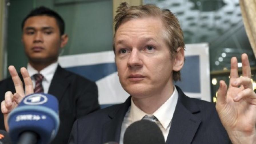 """Еквадор предложи убежище на основателя на """"Уикилийкс"""""""