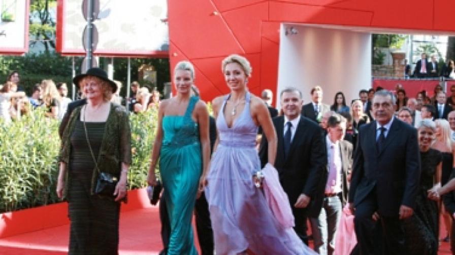 Татяна Лолова, която участва във филма, и Мишел Бонев (вдясно)