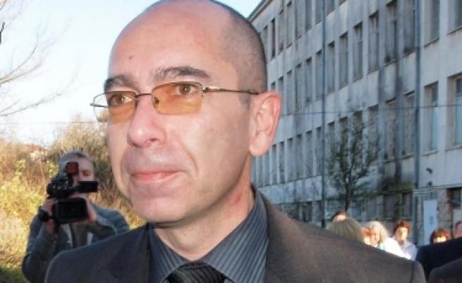 Константинов: Не е редно случилото се с лекарите