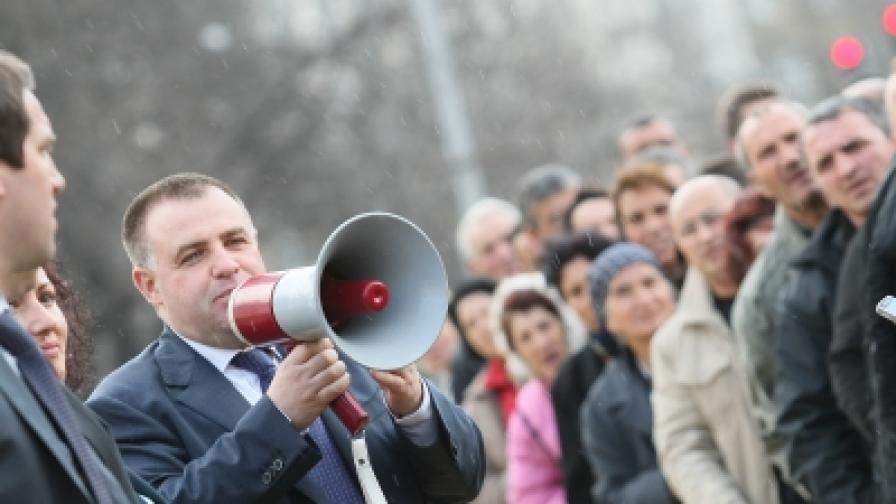 Мирослав Найденов е поредната мишена на Яне Янев