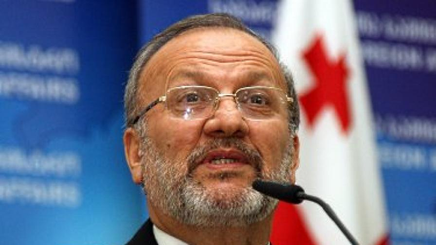 Ахмадинеджад се отърва от външния министър Мотаки