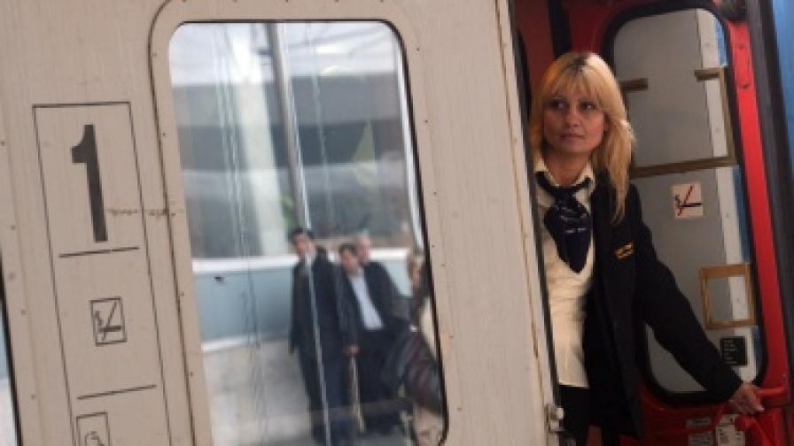 216 влака с допълнителни вагони по празниците