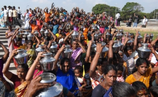 Индия ще изпревари Китай по население