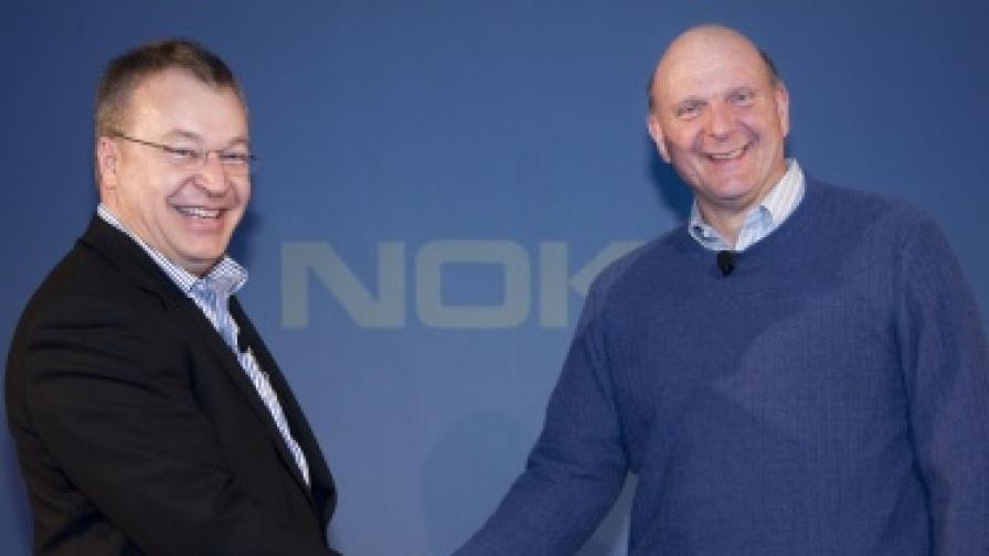 Шефовете на Нокиа и Майкрософт - Стивън Елоп (вляво) и Стивън Балмър