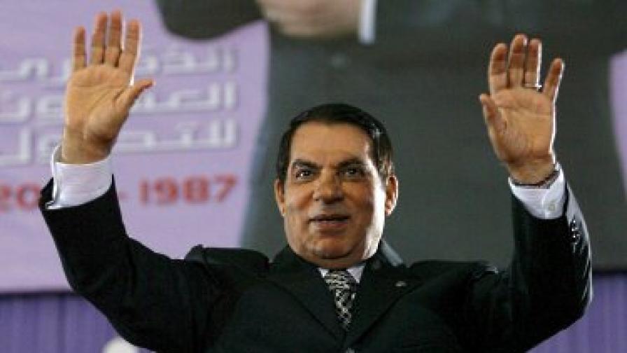 """В. """"Монд"""": Бен Али е в кома"""