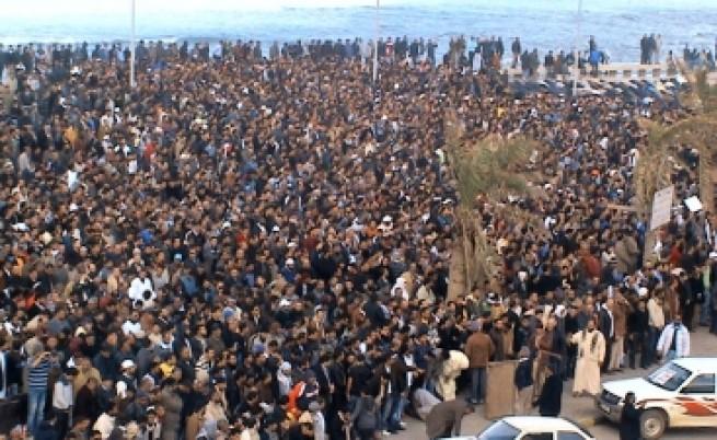 Кадафи към бунтовници: Дрогирани сте