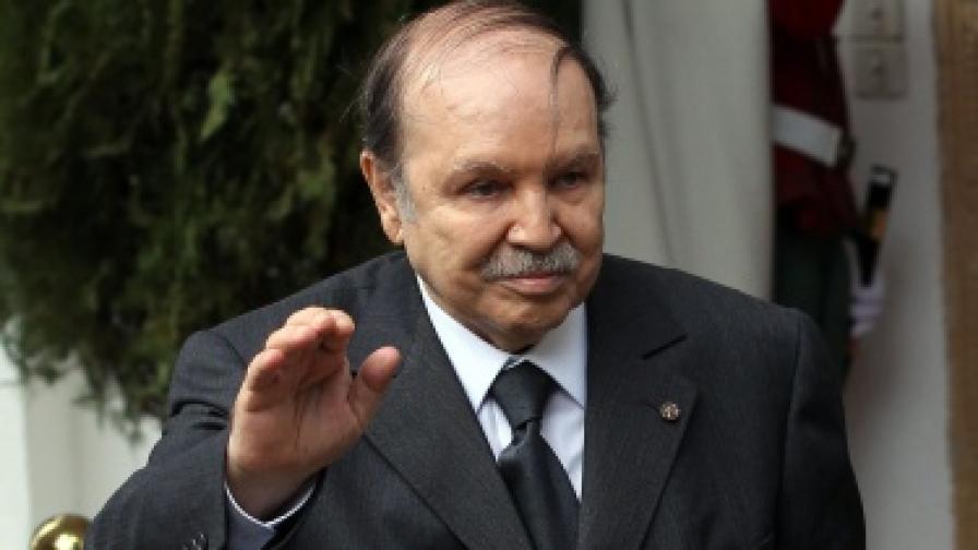 След 19 години: В Алжир отмениха извънредното положение