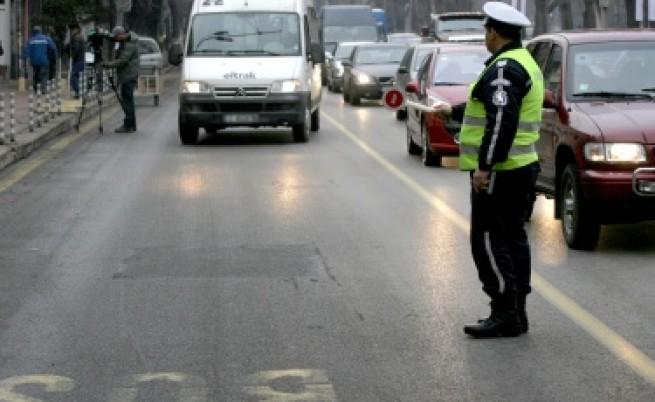 Автобус на градския транспорт в София се удари