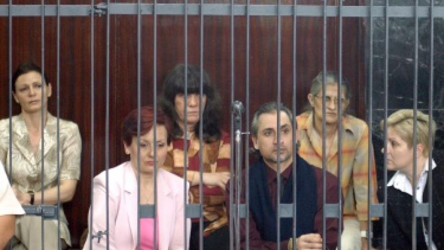 """Нюзуик"": ХИВ-изнудването на Кадафи"