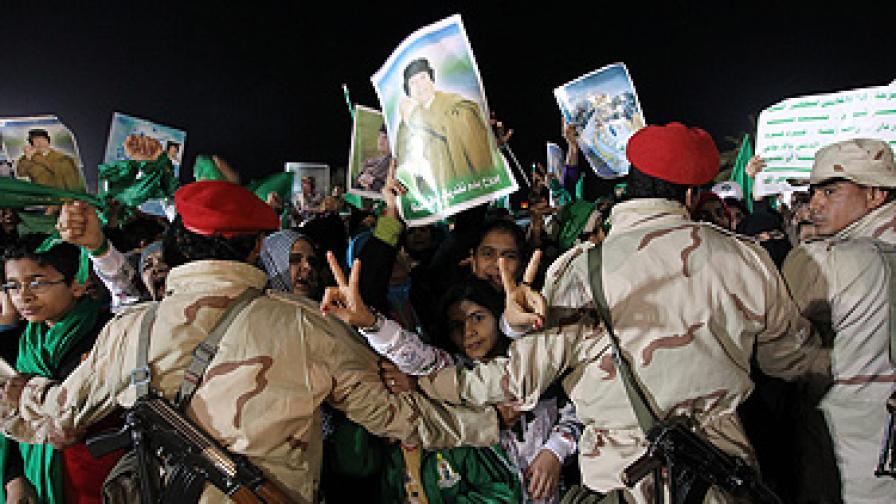 Кадафи обеща да разгроми Запада