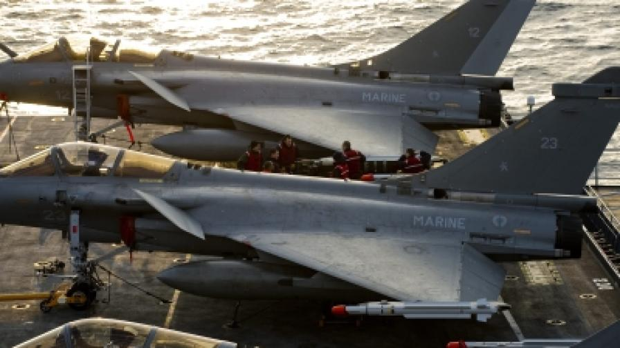 """Самолети на борда на френския самолетоносач """"Шарл дьо Гол"""""""