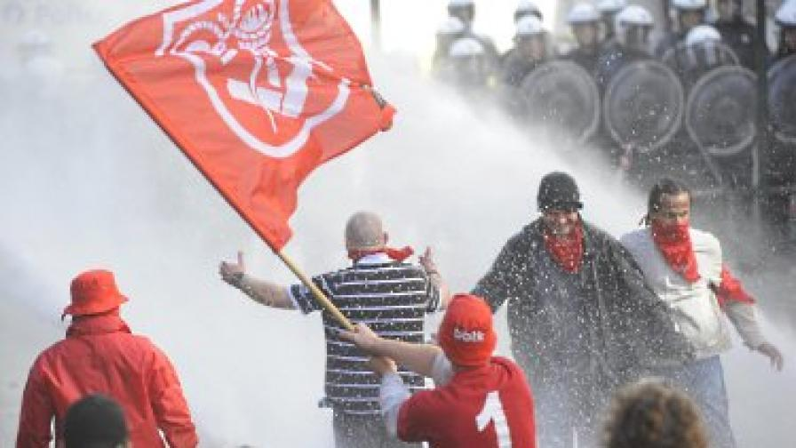 Сблъсъци между протестиращи и полицията избухнаха в Брюксел