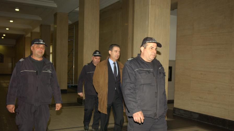 Съдът остави в ареста бургаския съдия