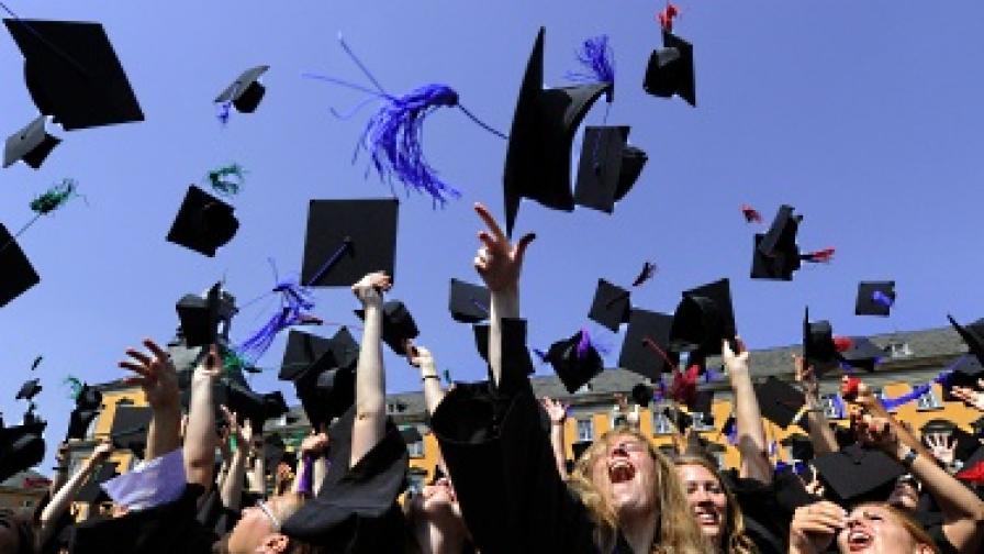 ЕК няма да наказва България заради дипломи