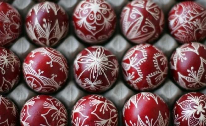 Велики четвъртък е - боядисваме яйцата