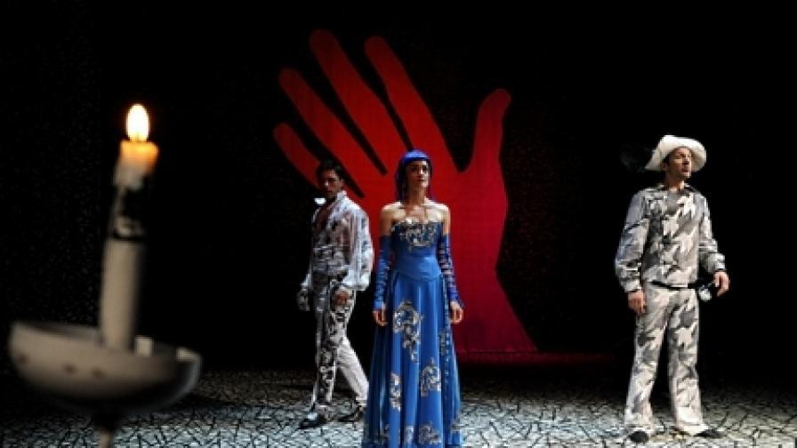 """Сцена от """"Сирано дьо Бержерак"""", спектакъл на Стефан Москов в Народния театър """"Ив. Вазов"""""""