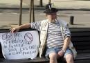 Белгиец протестира срещу забраната за пушене