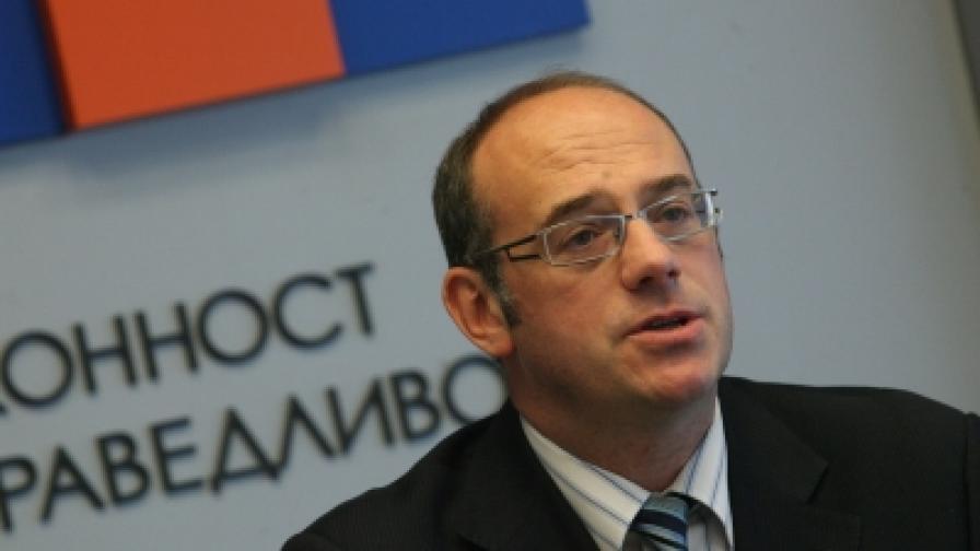 Атанас Семов е кандидатът на РЗС за президент