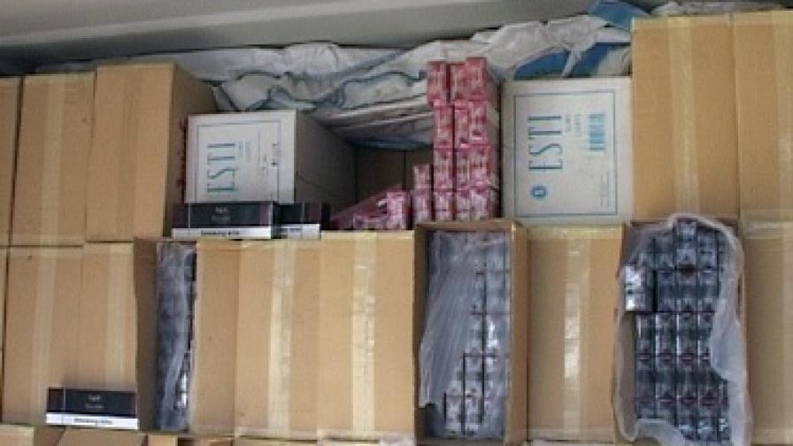 Втори контейнер контрабандни цигари заловиха митничари
