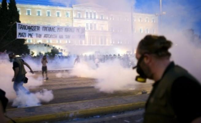 Гърция: Ще мине ли планът за икономии