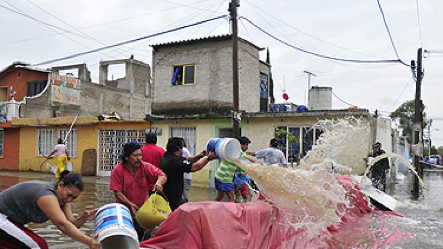 Бурята удари 20 мексикански щата