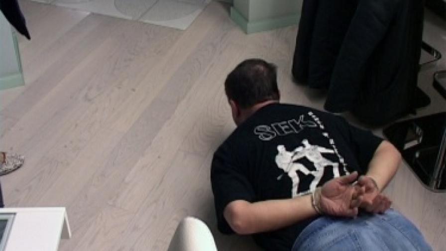 """Снимки от операция """"Октопод"""" в нощта на 9 срещу 10 февруари 2010 г., разпространени от МВР"""