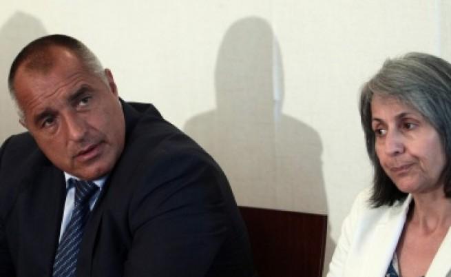 Борисов чете евродоклада на депутатите си