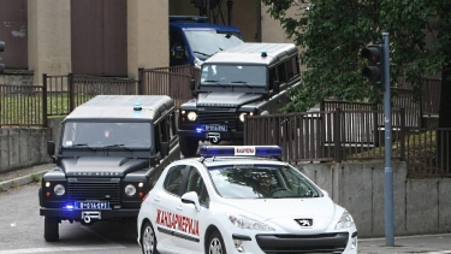 Полицейският кортеж, с който беше превозен Хаджич
