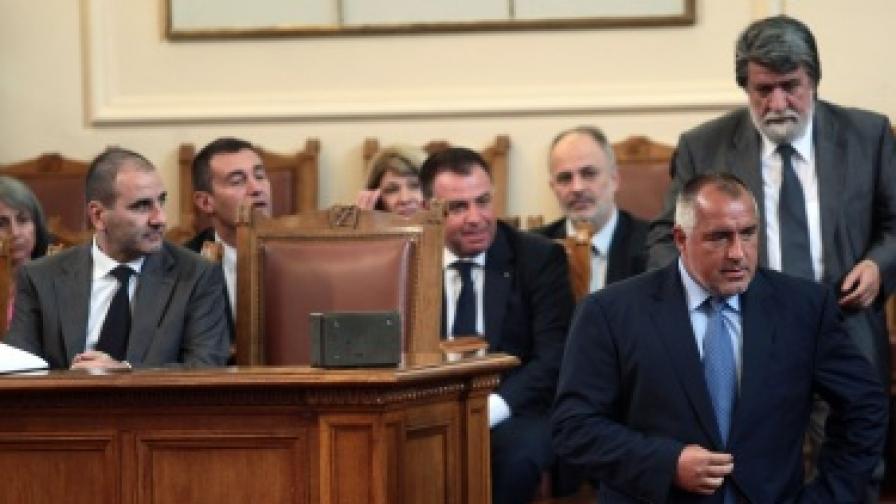 И третият вот на недоверие към Борисов не мина