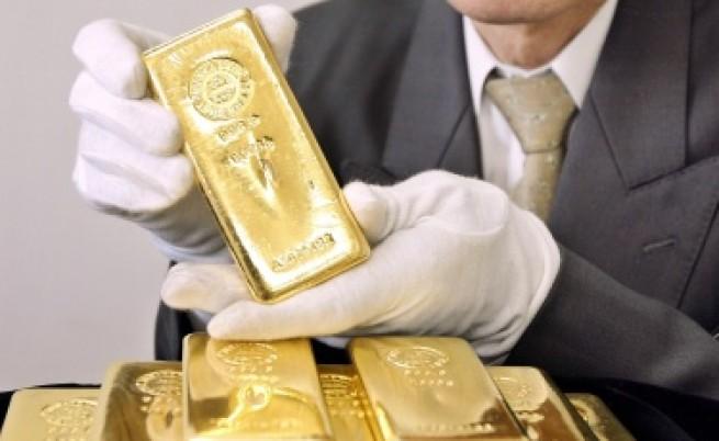 Проблемите на САЩ вдигат цената на златото