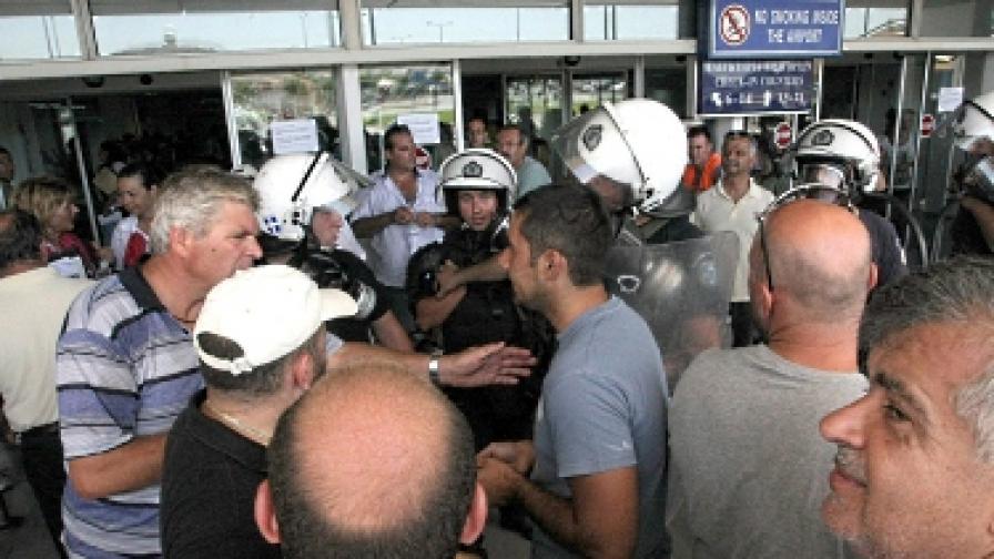 Стълкновения между таксиметрови шофьори и полиция на остров Крит