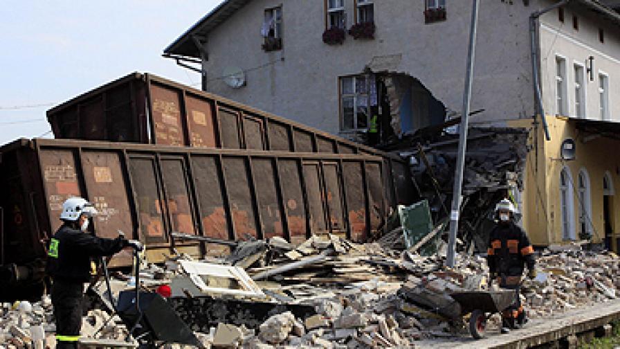 Дерайлирал влак в Полша взе жертви