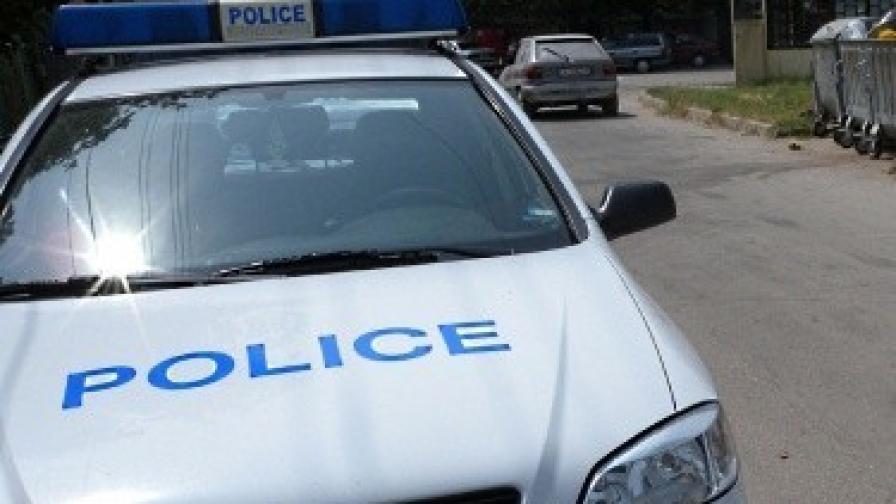 Задържаха мъж, заплашвал с нож в центъра на София