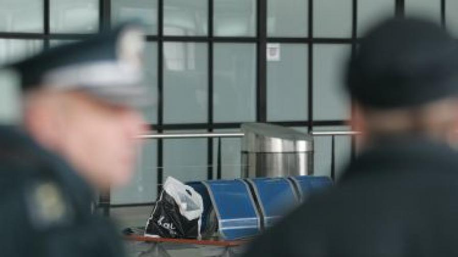 На летище София: Удар по международен наркоканал