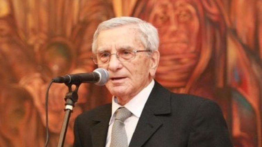 Петко Бочаров на честването на 90-годишнината му (фотография от февруари 2009 г.)